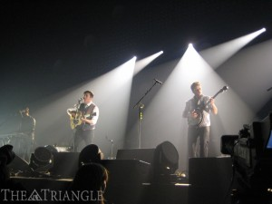 Indie-rock band Mumford & Sons performed in Camden, NJ for the second night in a row. Camden was the last stop of their North American tour. The show opened with folk band HAIM, consisting of sisters Este, Danielle and Alana Haim.