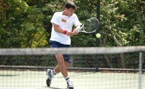 Senior Alex Fioravante returns a shot during a match against Rider University. (Photo Courtesy - DrexelDragons.com)